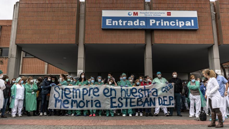 FOTOS | El homenaje de los sanitarios del Hospital Severo Ochoa a ...