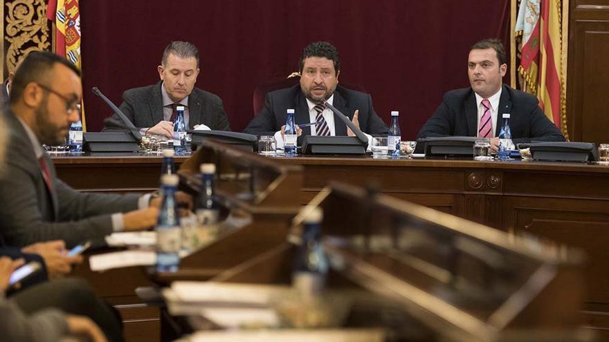 El presidente de la diputación, Javier Moliner, durante el debate sobre el Estado de la Provincia