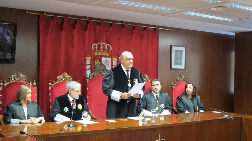 """El presidente del TSJN dice que la situación en Cataluña es """"un atentado contra la independencia judicial"""""""
