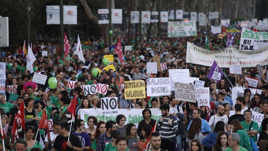 Manifestación del 9M contra los recortes, la Lomce y por la escuela pública.