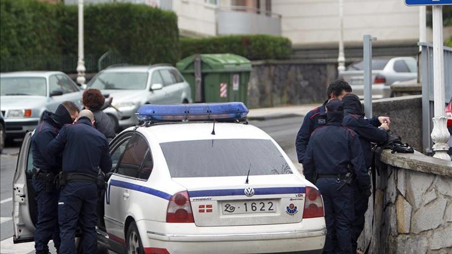 Detenida una mujer por matar a su madre con un hacha en Muxika (Bizkaia)