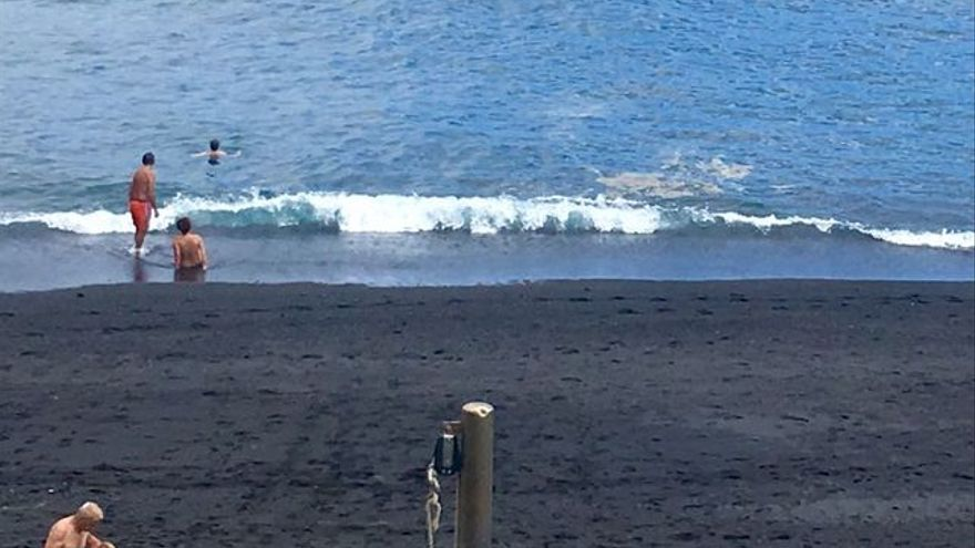 Imagen de este martes en la playa de Los Cancajos.