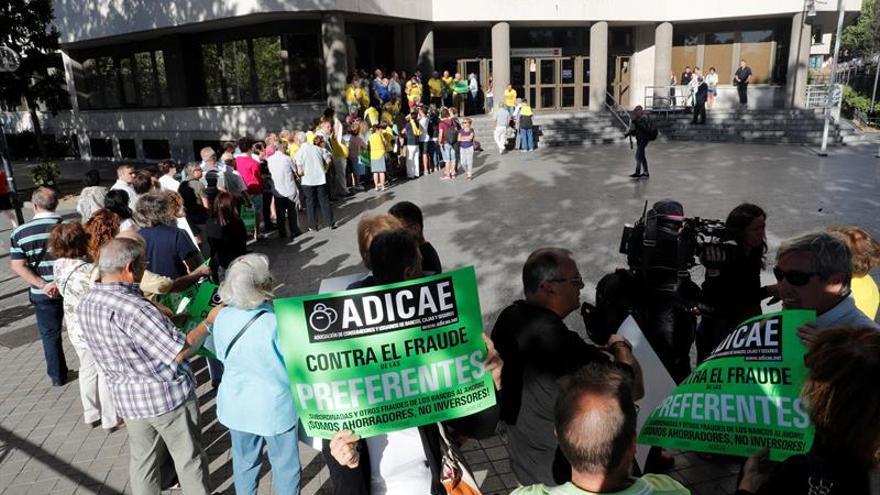 La macrodemanda de Adicae por las preferentes de Caja Madrid se resolverá mañana