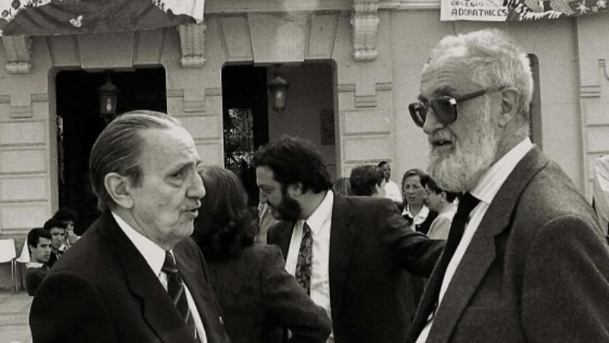 Buero Vallejo (dcha.) y José Luis Sampedro (izq.)