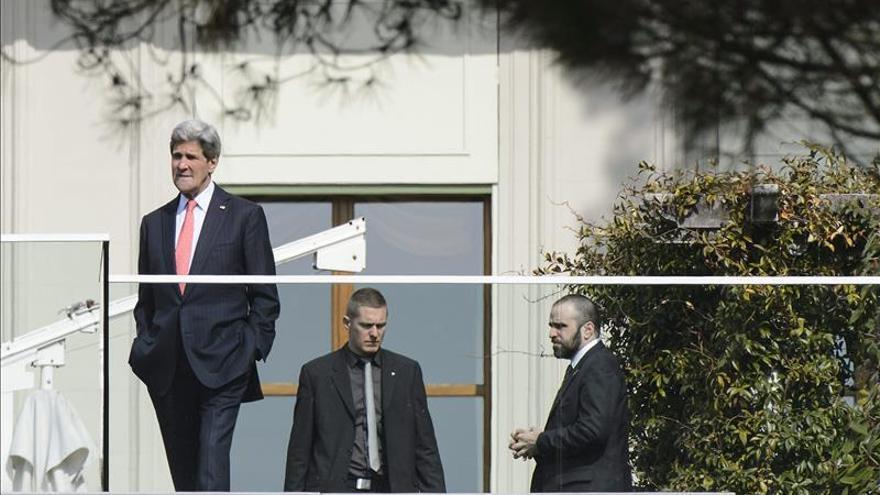 Kerry y Zarif inician el segundo día de negociaciones nucleares en Suiza