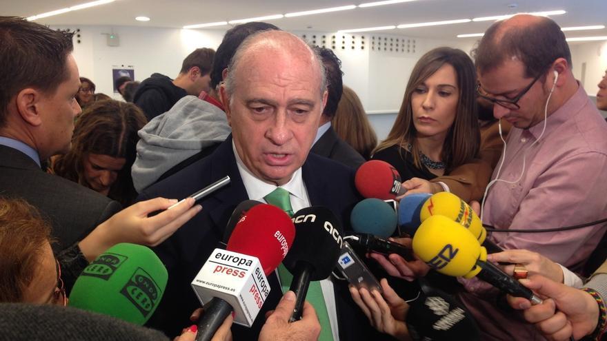 """Fernández Díaz cree que la imputación de Pujol """"habla por sí misma"""" y desea que el caso se resuelva """"lo antes posible"""""""