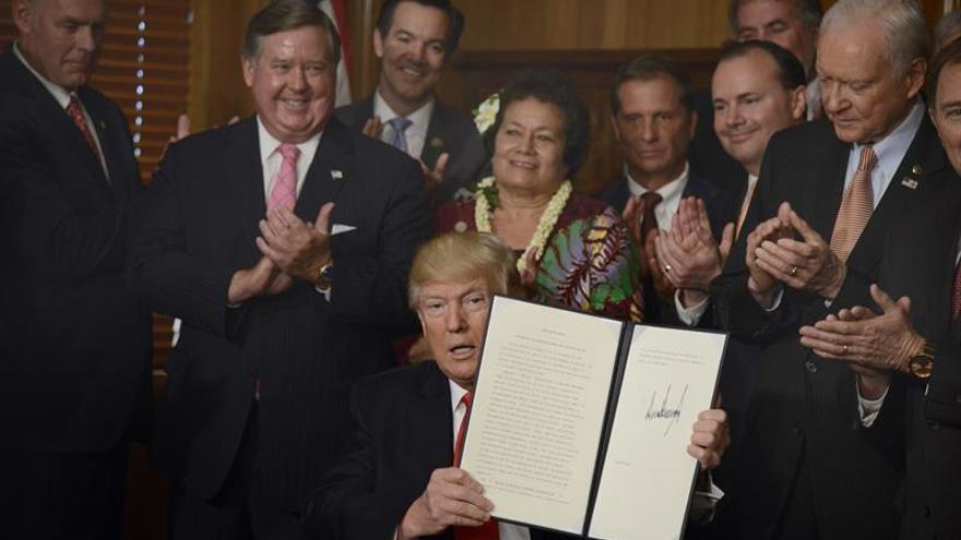 """Trump ordena que cese el """"abuso"""" del Gobierno en protección de áreas naturales"""