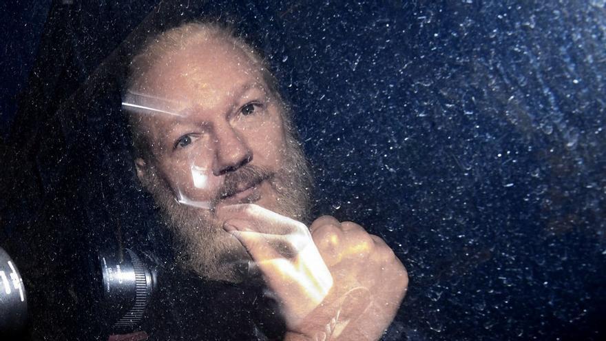 """""""El gran pecado que cometió el periodista fue, sin duda, fundar WikiLeaks"""". Assange"""