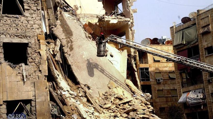 Fuerte ofensiva aérea contra la periferia de Damasco y explosiones en Deraa