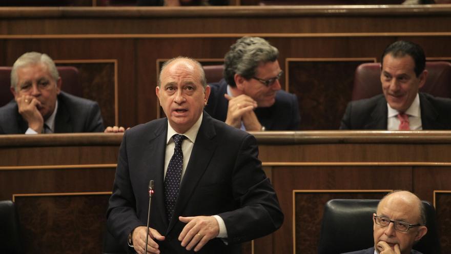 Fernández Díaz dice que la UDEF ha investigado la cuenta en Suiza de Trías y ya ha remitido sus diligencias a Fiscalía