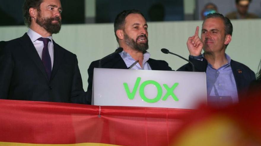 Los sondeos no auguraron el alcance de la subida de Vox ni la debacle de Cs