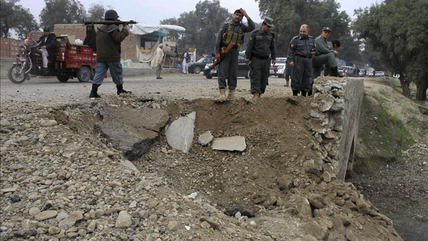 Tres muertos en un ataque suicida contra un autobús de funcionarios en Kabul