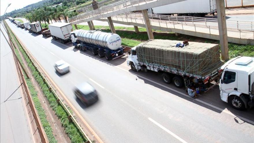 La Policía libera el acceso al puerto de Santos pero sigue la protesta de los camioneros