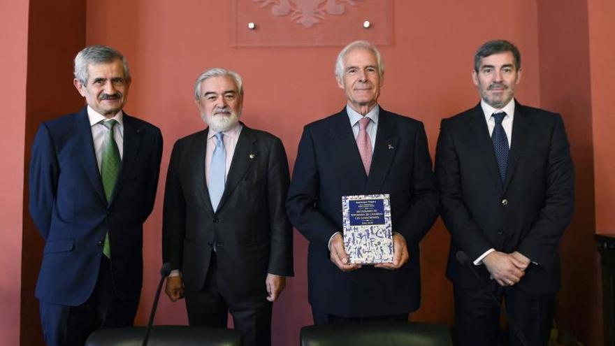 Resultado de imagen de El Gobierno presenta en la RAE el 'Diccionario de toponimia de Canarias: Los guanchismos', de Maximiano Trapero