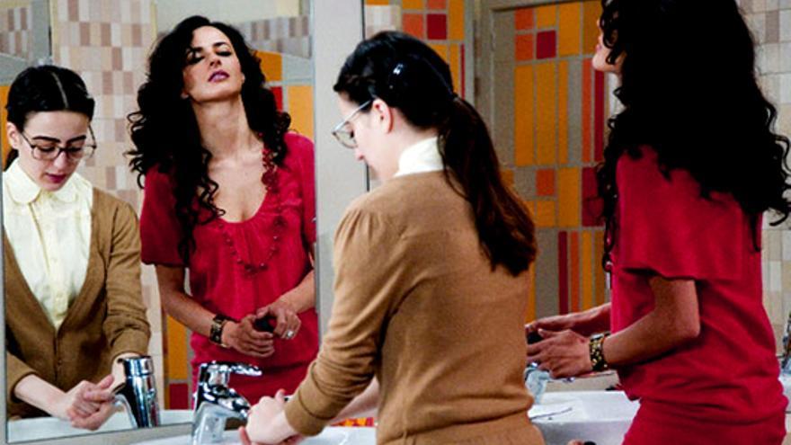 Multa de casi medio millón de euros a Telecinco por publicidad encubierta en 'Yo soy Bea'