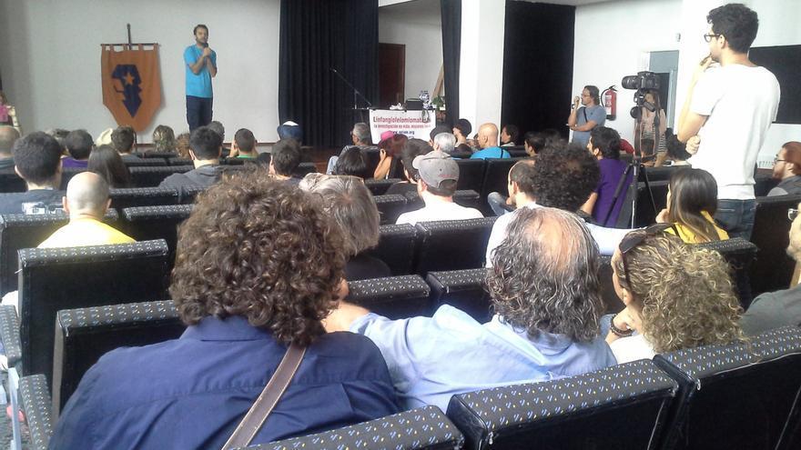 El director del Festivalito La Palma, José Víctor Martín Fuentes, dio la bienvenida a los cineastas y les animó a disfrutar al máximo de la experiencia que supone el asumir el reto de idear, rodar, editar y editar un cortometraje.