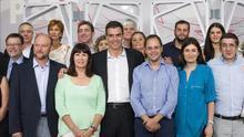 Pedro Sánchez con miembros de la nueva Ejecutiva Federal del PSOE | EFE