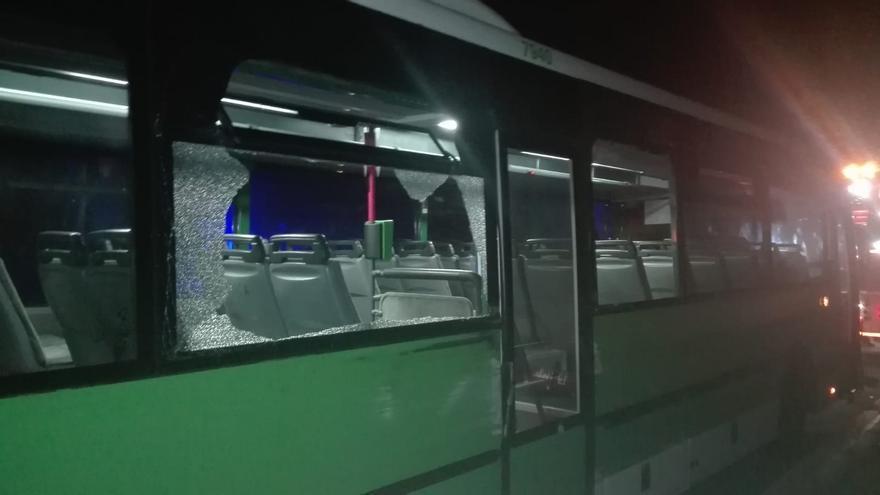Estado en que quedó la guagua de TITSA robada en Chío