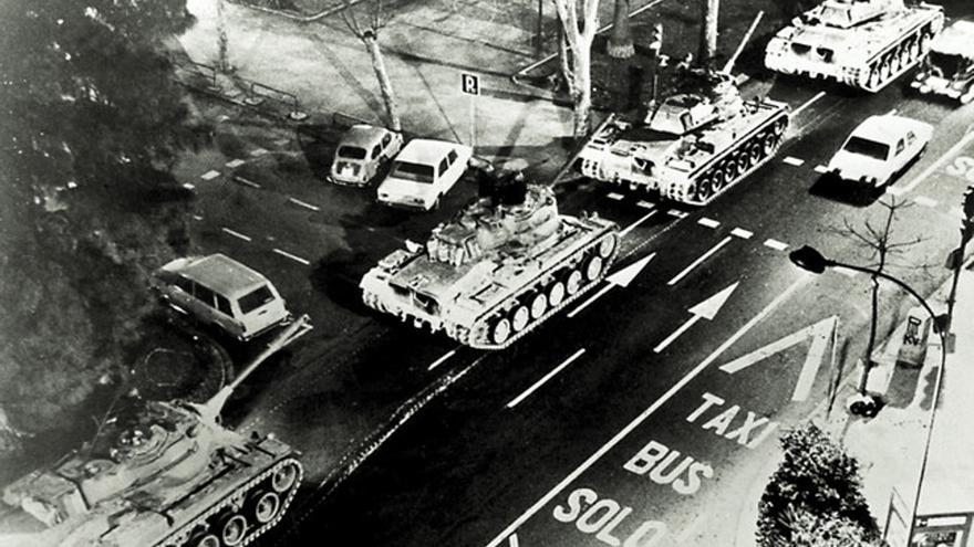 Los tanques en las calles de Valencia la noche del 23 de febrero de 1981.