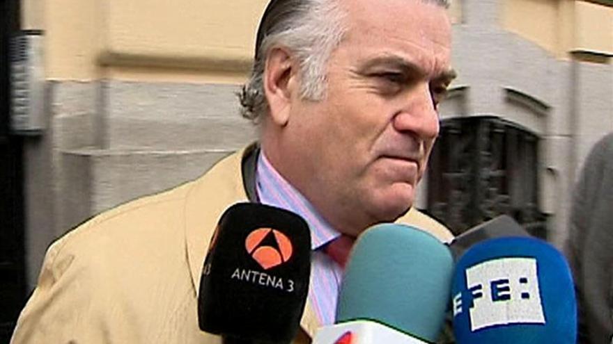 """El juez Ruz pide a Suiza el """"inmediato"""" bloqueo de las cuentas de Bárcenas"""