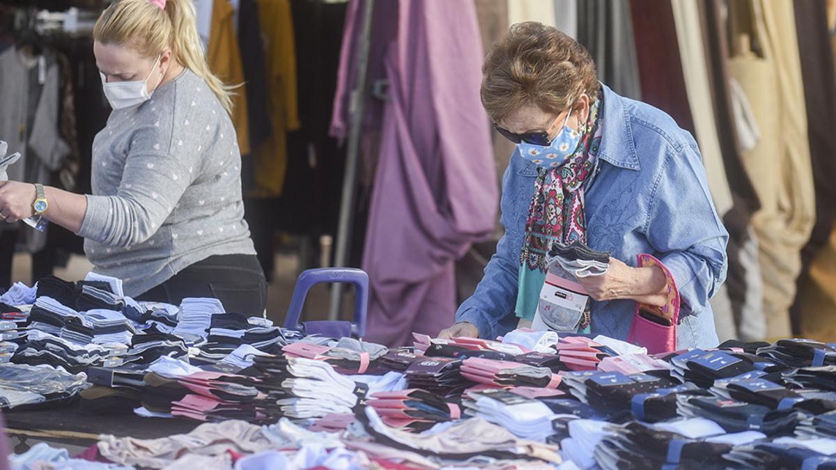 Mercadillo ambulante en Córdoba, en una imagen de archivo
