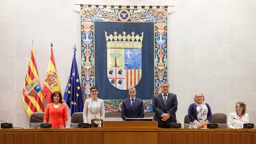 La nueva Mesa de las Cortes. Foto: Juan Manzanara