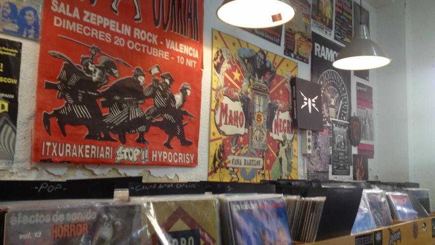 Interior de discos Tráfico, en Murcia.