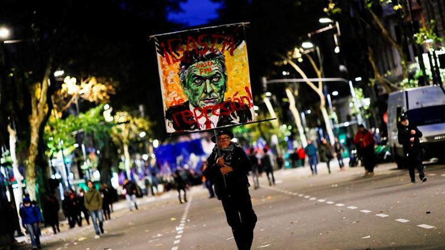 Miles de personas rechazan en Buenos Aires el acuerdo de Macri con el FMI
