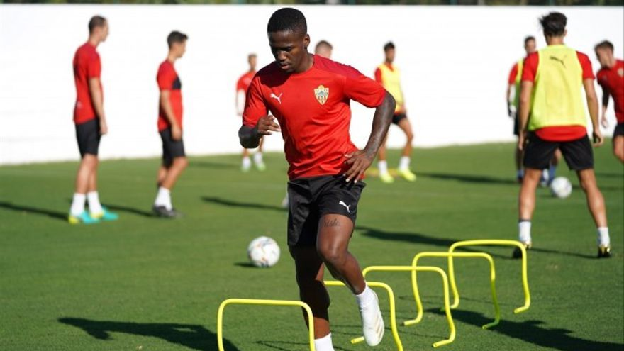 La UD Las Palmas incorpora a Jonathan Silva