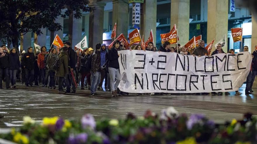 Los recortes y la Lomce han originado muchas protestas. Foto: Juan Manzanara
