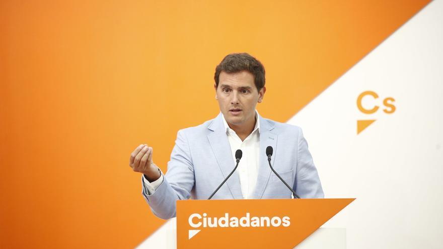 """Rivera pide a Sánchez que """"rectifique"""", requiera a Torra acatar la Constitución y aplique el 155 si no lo hace"""