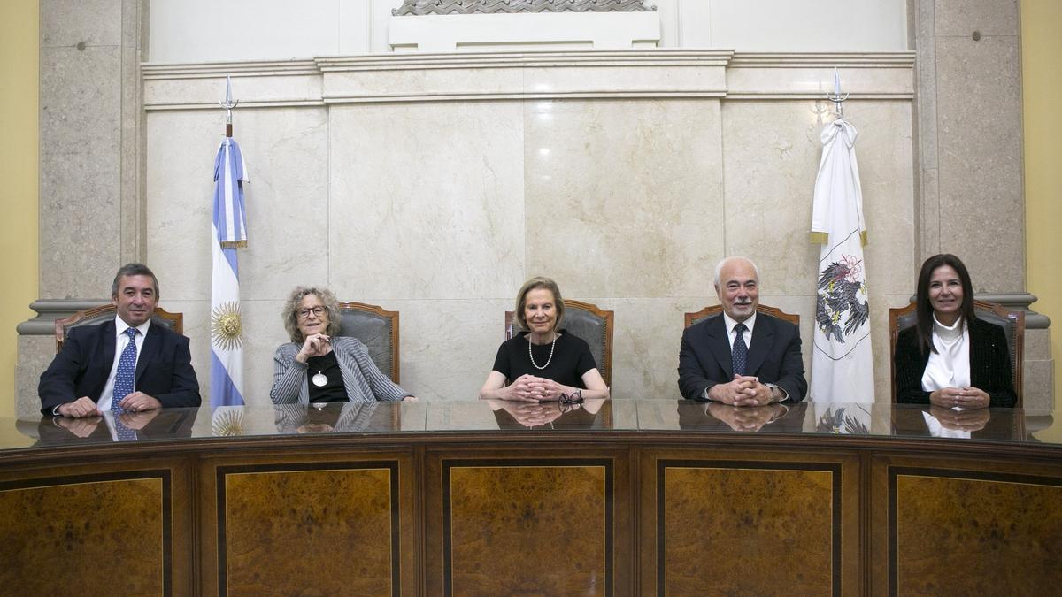 Los cinco miembros del máximo tribunal porteño, que se declaró competente en el caso Correo.