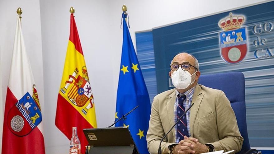 El consejero de Sanidad, Miguel Rodríguez