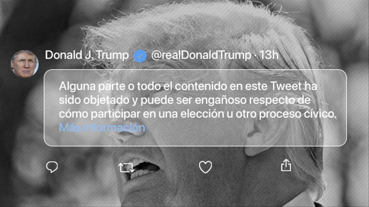 Donald Trump fue suspendido de Twitter tras difundir reiteradamente el bulo de la manipulación electoral.