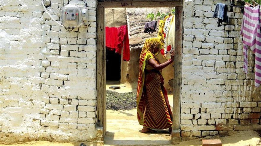 Avance contrarreloj para iluminar la India en 1.000 días
