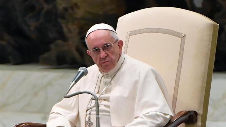 """El Papa condena """"el drama"""" de la violencia que padecen las mujeres"""
