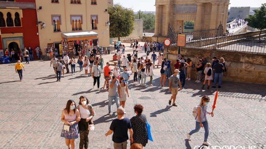 Visitantes en el casco histórico | ÁLEX GALLEGOS