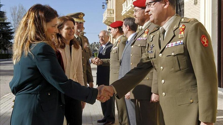 La subsecretaria de Defensa visita a las tropas en Afganistán