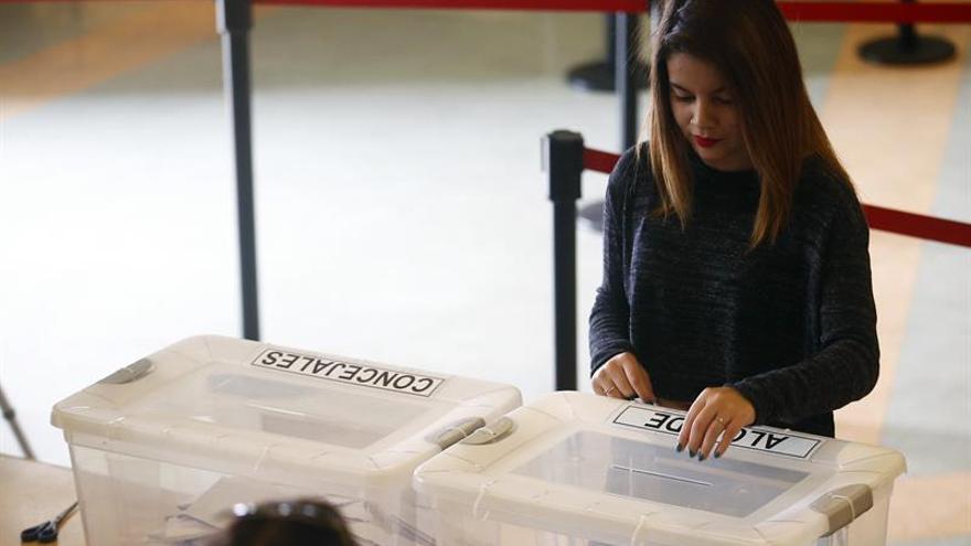 Perú va a referéndum para decidir reforma política y judicial