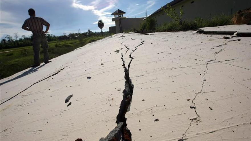 Un muerto y 7 heridos por un seísmo al norte de la isla indonesia de Sumatra