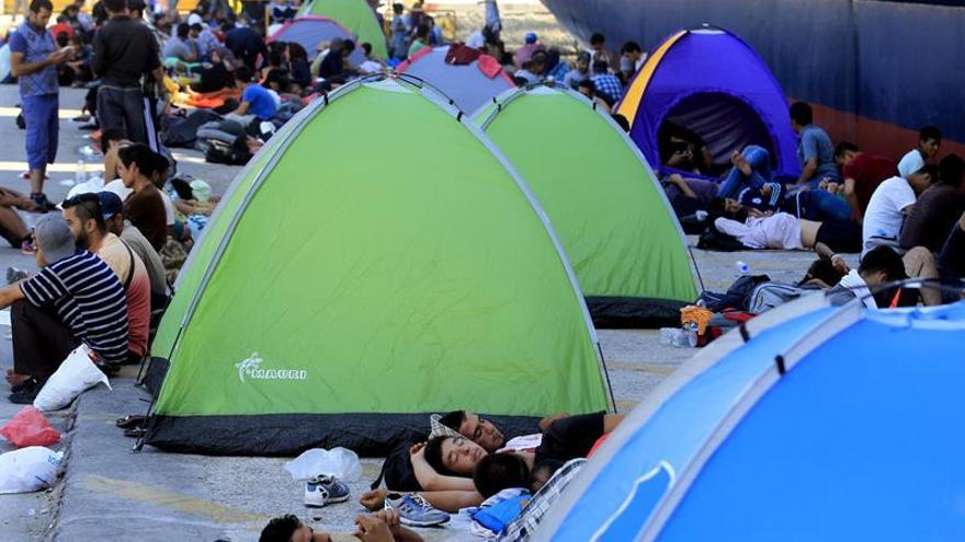 Los refugiados en Leros atacan a la policía y causan daños en la oficina de registro