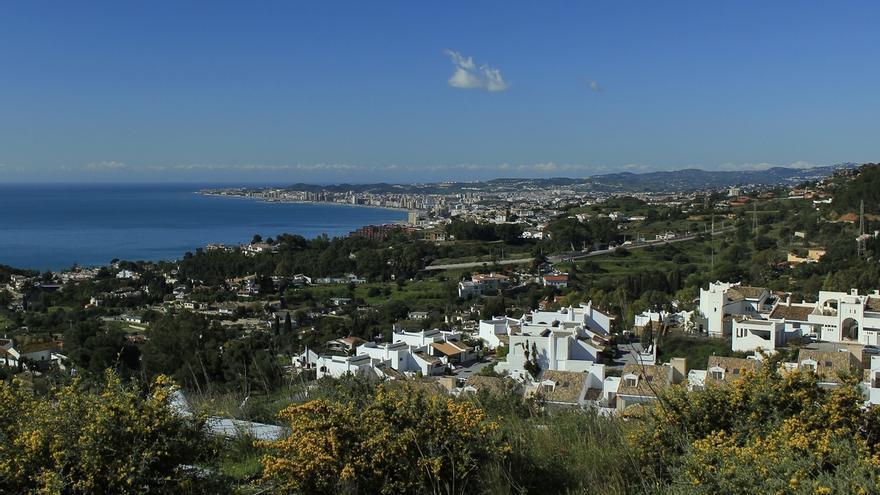 """Economistas advierten de que la situación urbanística de Marbella supone un """"perjuicio"""" para toda la costa"""