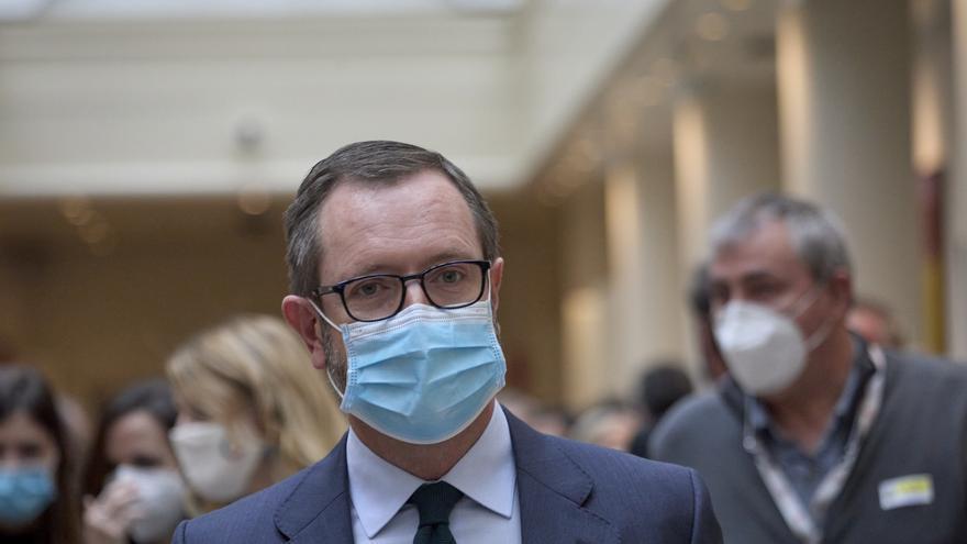 El portavoz del Grupo Popular en el Senado, Javier Maroto, se dirige a una sesión de control al Gobierno en la Cámara Alta, a 13 de abril de 2021, en Madrid (España).
