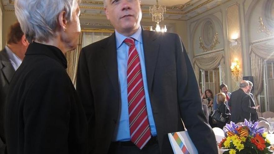 El PSC aspira a consensuar en julio un documento con el PSOE de reforma federal para ir concretándolo más adelante