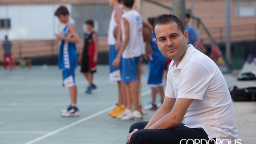 Rafa Sanz, en las pistas del Colegio Europa | MADERO CUBERO