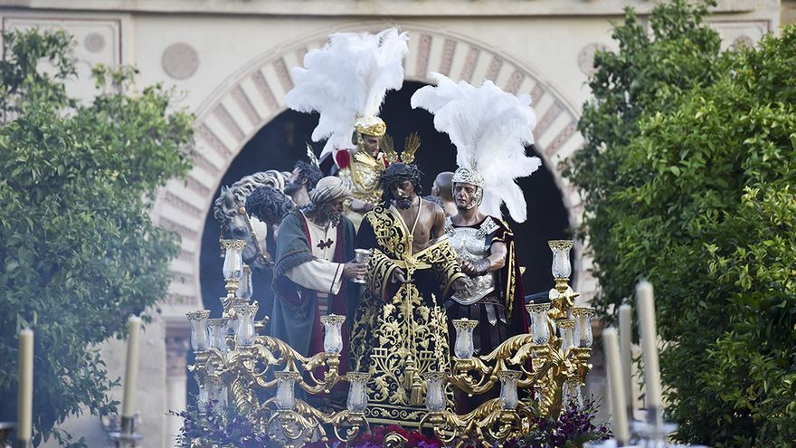 Nuestro Padre Jesús de la Humildad y Paciencia recorre Córdoba para conmemorar el 75 aniversario de su bendición | TONI BLANCO