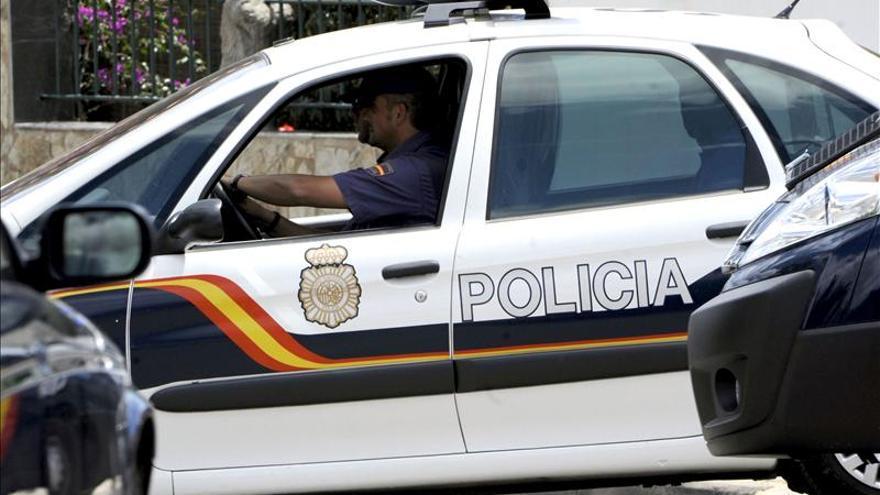 Agentes del Cuerpo Nacional de Policía en Madrid