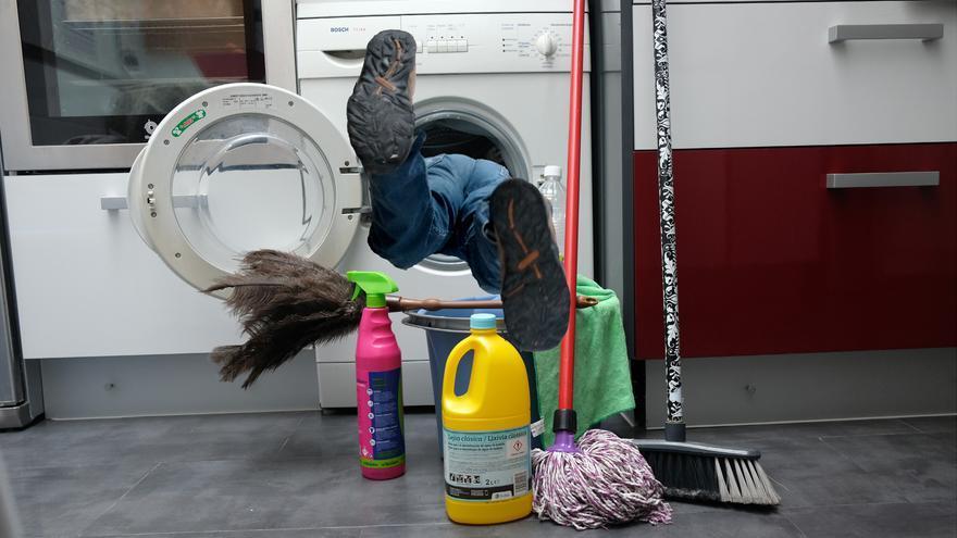 Atrapados en la limpieza diaria/Foto: Luis Serrano