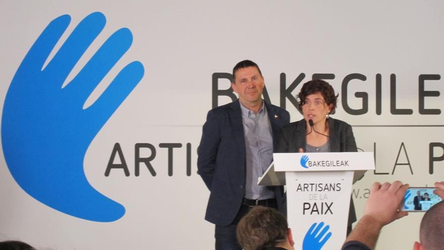 Otegi insiste en resolver el tema de los presos y la salida de Euskadi de Policía y Guardia Civil