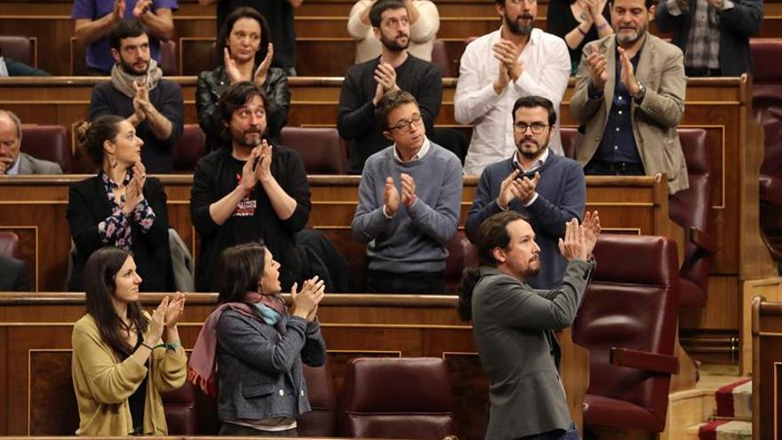 Iglesias acusa a Rajoy de manejar las cuentas de España como las del PP